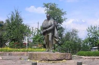 Пам'ятник Степану Бандері у с. Старий Угринів