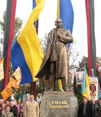Монумент Степану Бандері у Львові