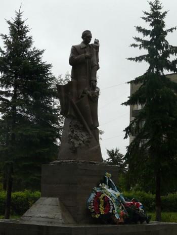 Пам'ятник Степану Бандері у с. Великі Мости
