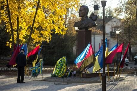 Пам'ятник Євгену Коновальцю в Івано-Франківську