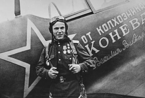 Іван Кожедуб біля свого літака