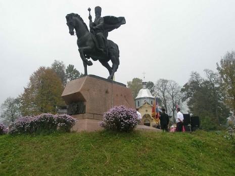 Пам'ятник Петру Сагайдачному в с. Кульчиці