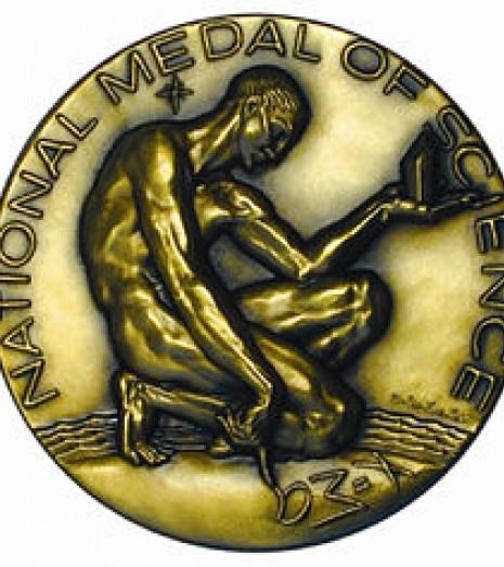 [ua]Національна наукова медаль США[/ua][ru]Национальная научная медаль США[/ru][en]National Medal of Science[/en]