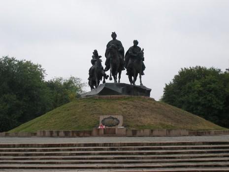 Пам'ятник Івану Богуну у Жовтих Водах