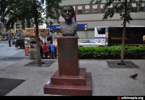 Пам'ятник Голді Меїр у Нью-Йорку