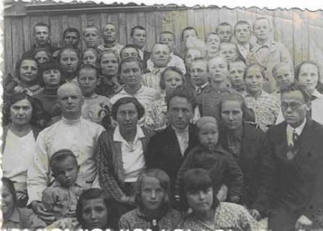 В. Ивчук со своими коллегами и учениками, 1937 год