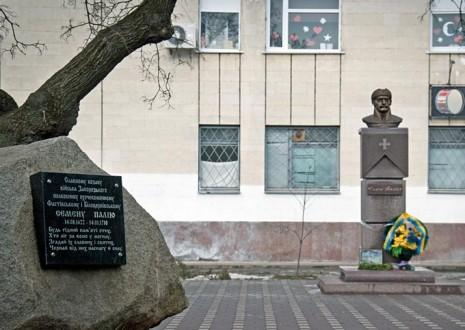 Пам'ятник Семену Палію у Фастові
