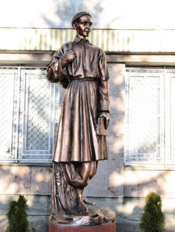 Памятник Григорию Сковороде в Харькове