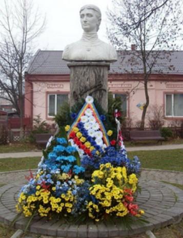 Пам'ятник Ользі Кобилянській в Гура-Гумора