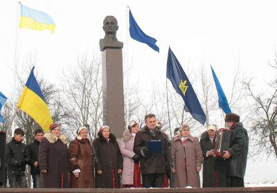Пам'ятник Андрію Мельнику в с. Воля Якубова