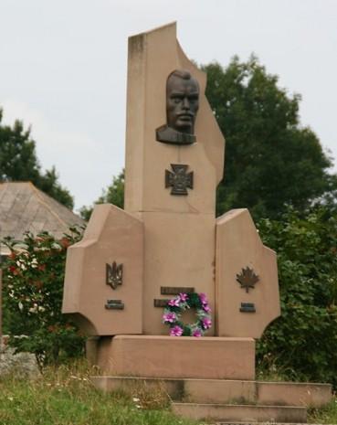 Пам'ятник Пилипу Коновалу