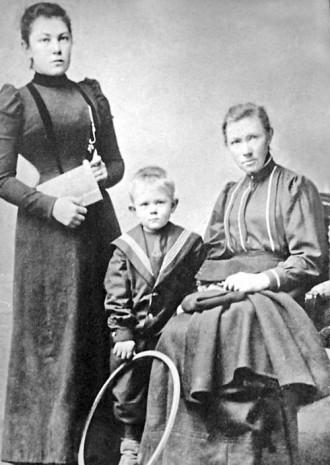 Сестры София и Мария Русовы
