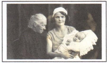 София Русова в Праге с внучкой Олей и правнучкой Людмилой