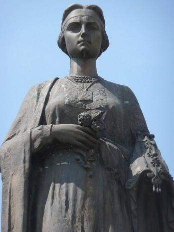 Фигура на памятнике, 2008