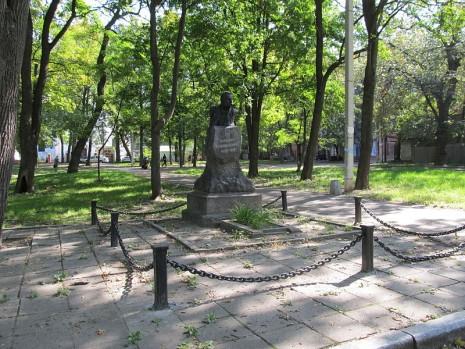 Могила Марка Кропивницького